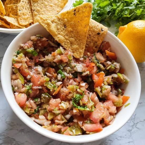 Salsa recipe_pico de gallo-a tomato based vegan side dish from Mexico