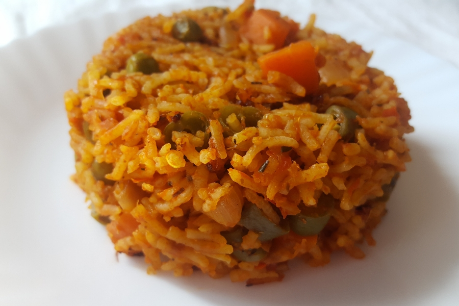 Vegetable Jollof rice - a vegan rice dish from Africa | Main course